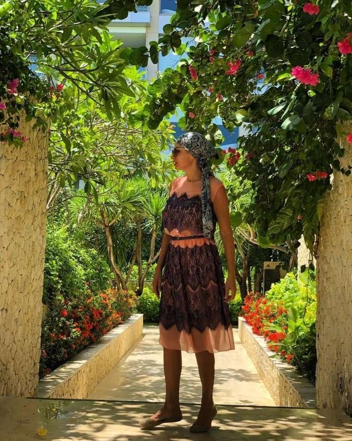 6 курортных образов от вечно молодой Эвелины Бледанс