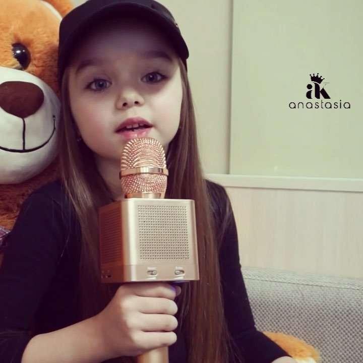 «Спасибо, Настенька»: «самая красивая девочка в мире» спела песню Билана