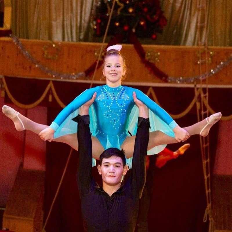 Дочка Юлии Барановской продемонстрировала успехи в цирковом искусстве