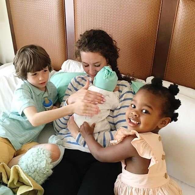 Дети и питомцы Линдси Бонни