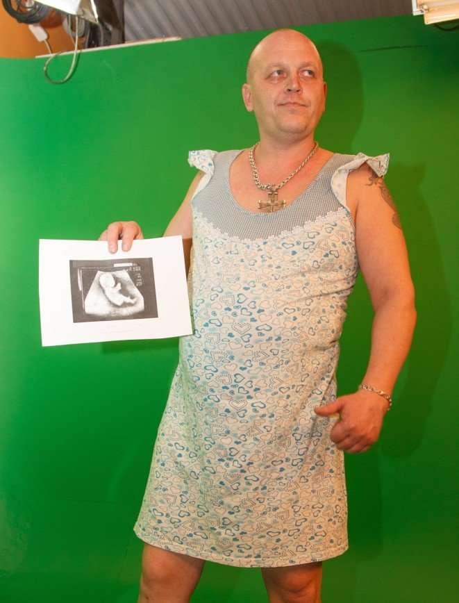 Тюменец на спор ощутит все радости и неудобства беременности