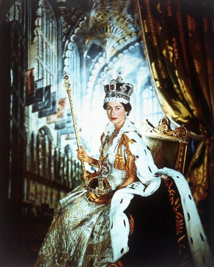 Королева Елизавета II и четыре поколения династии