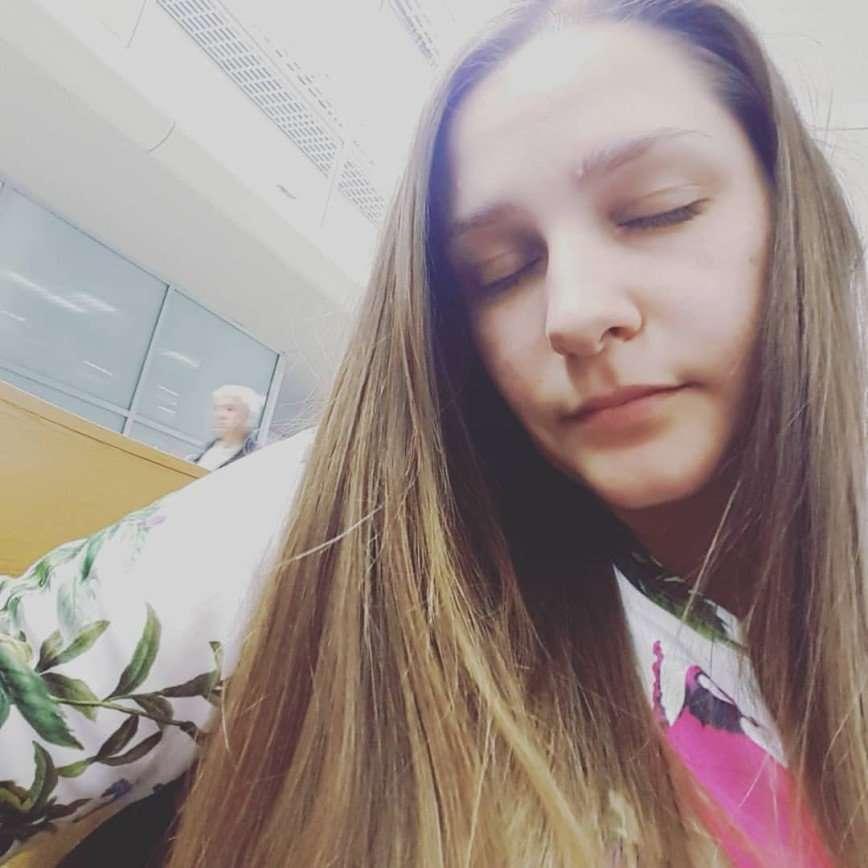 Глафира Тарханова пожаловалась на сильный недосып из-за гастролей