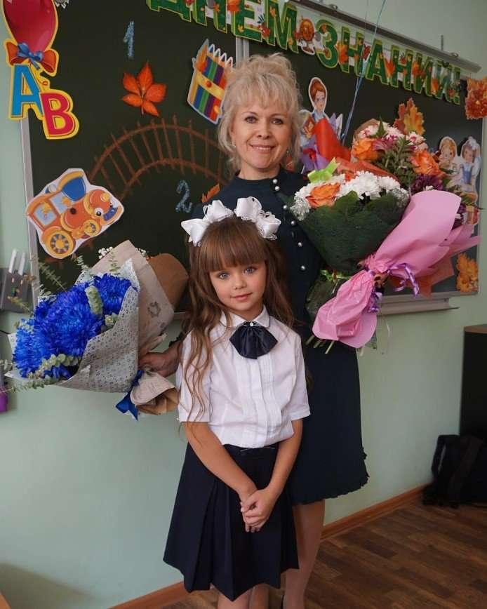 Самая красивая девочка Настя Князева стала первоклассницей