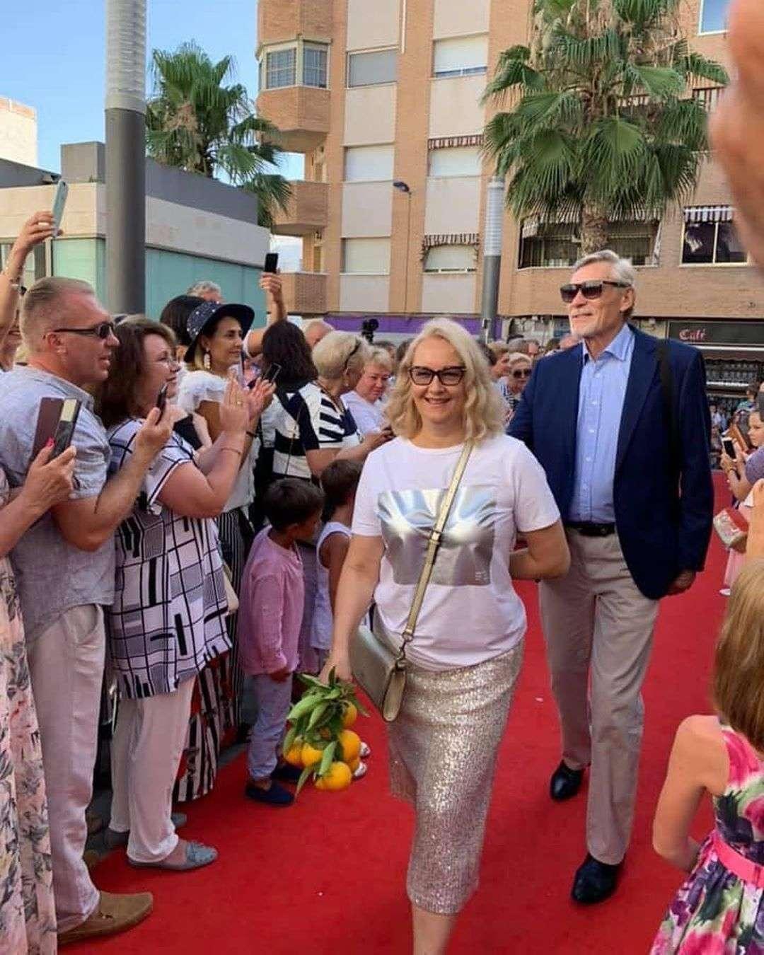 Все так же хороши: Александр Михайлов и Дмитрий Харатьян прилетели в Испанию на кинофестиваль