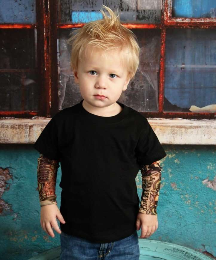 Американский дизайнер предлагает детскую одежду с имитацией татуировок