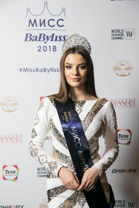 Екатерина Стриженова, Надежда Ангарская, Эвелина Бледанс выбрали королеву красоты
